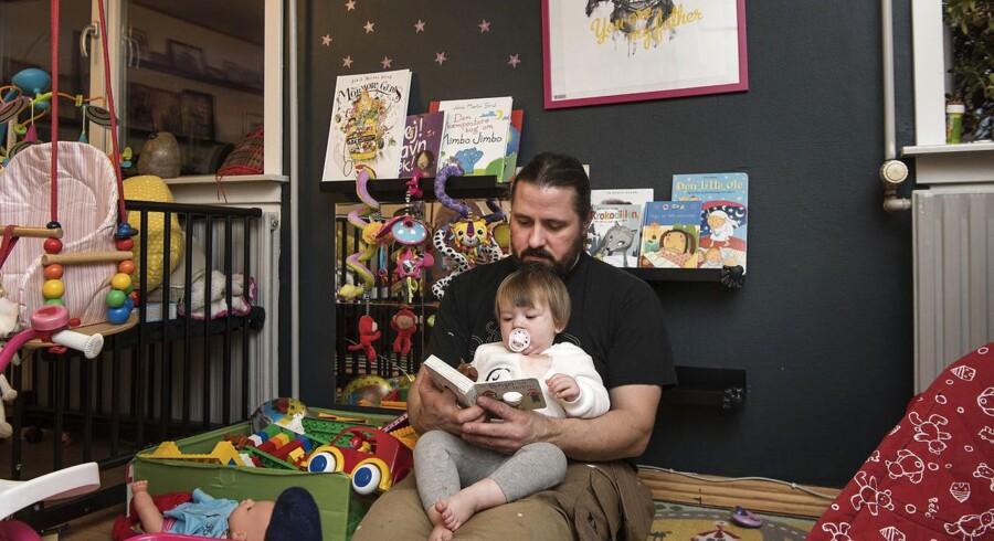 Nikolai Hansen har været på to måneders barsel med datteren Saga. Til BM
