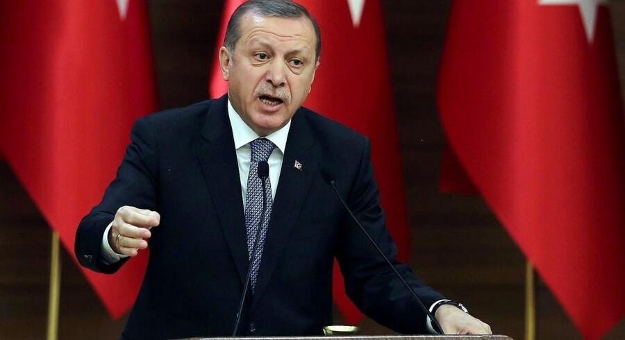 Tyrkiets præsident, Recep Tayyip Erdogan, var noget kontant på kvindernes internationale kampdag, da han meldte ud: »Jeg ved, at dette vil irritere nogle, men for mig er en kvinde først og fremmest en mor.«