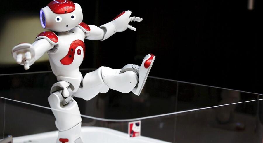 Billedet af en industrirobot, der arbejder taktfast i et afskærmet bur er forældet. I dag er robotterne i langt højere grad i stand til at arbejde side om side med en operatør eller en menneskelig kollega.