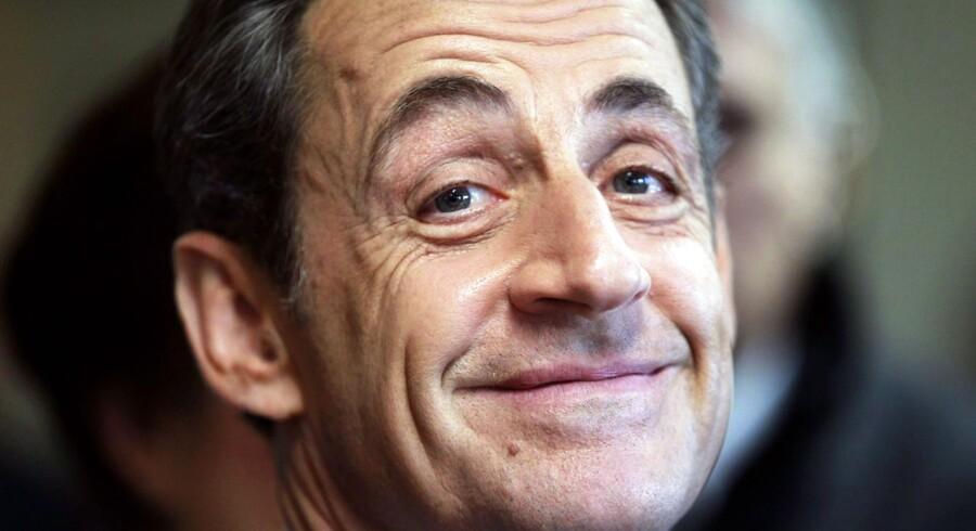 Myndighederne dropper nu anklagerne mod Nicolas Sarkozy i en sag om partistøtte.