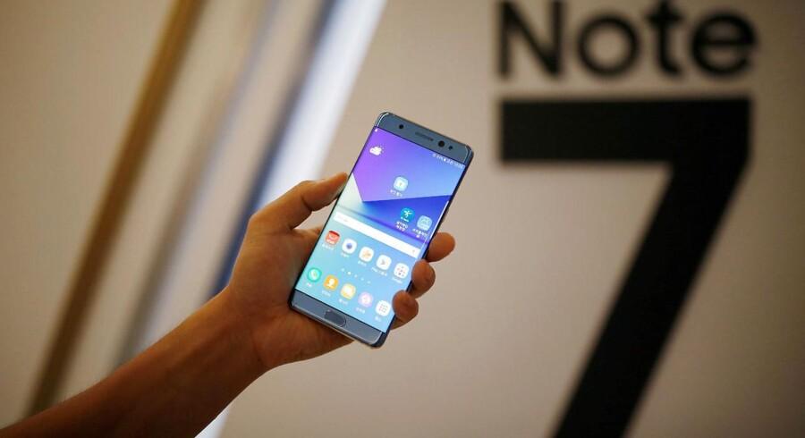 Galaxy Note 7 skulle have været Samsungs nye succes. Nu er det i stedet blevet mobilgigantens mareridt, der bare fortsætter og fortsætter. Arkivfoto: Kim Hong-Ji, Reuters/Scanpix