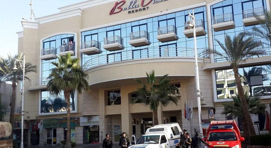 Angrebet på hotellet tog kun fire minutter, skriver Bella Vista Resort and Hotel på Facebook.