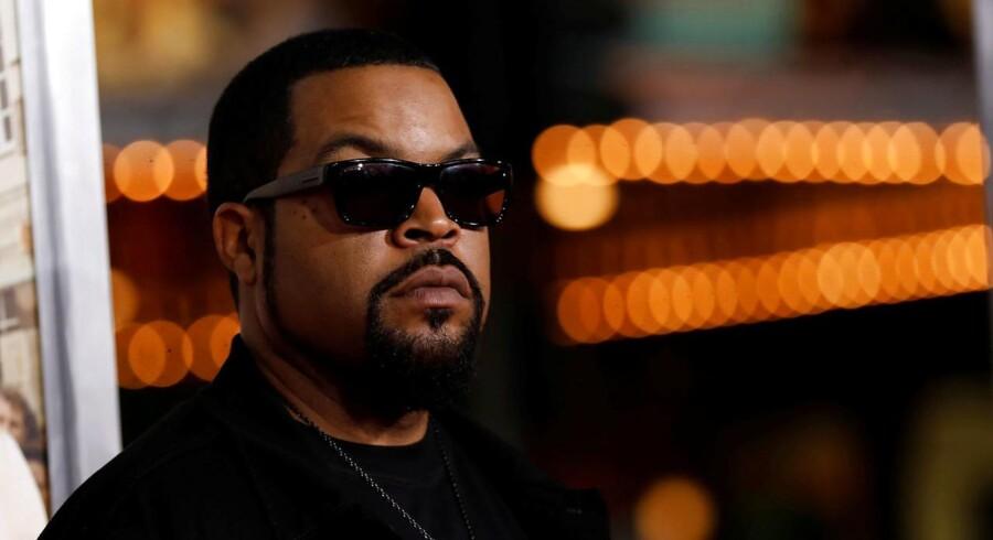 Rapperen Ice Cube erstatter hip hop-gruppen A Tribe Called Quest på årets Roskilde Festival.