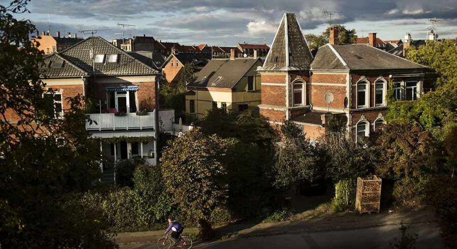 Regeringen ser lyst på boligmarkedet.