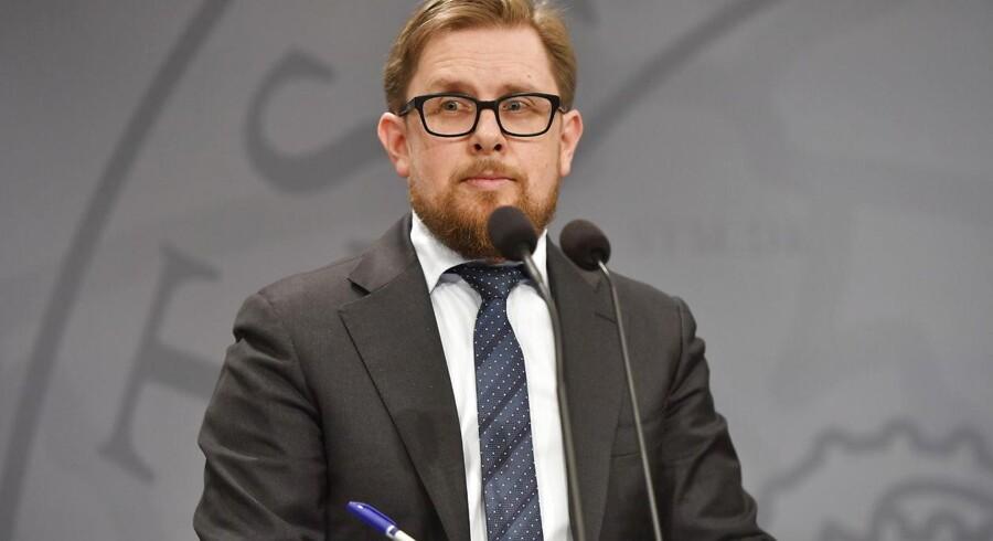 Økonomi- og indenrigsminister Simon Emil Ammitzbøll-Bille (LA) er sammen med et bredt flertal i Folketinget klar til at stramme straffen for chikane mod bl.a. politikere.
