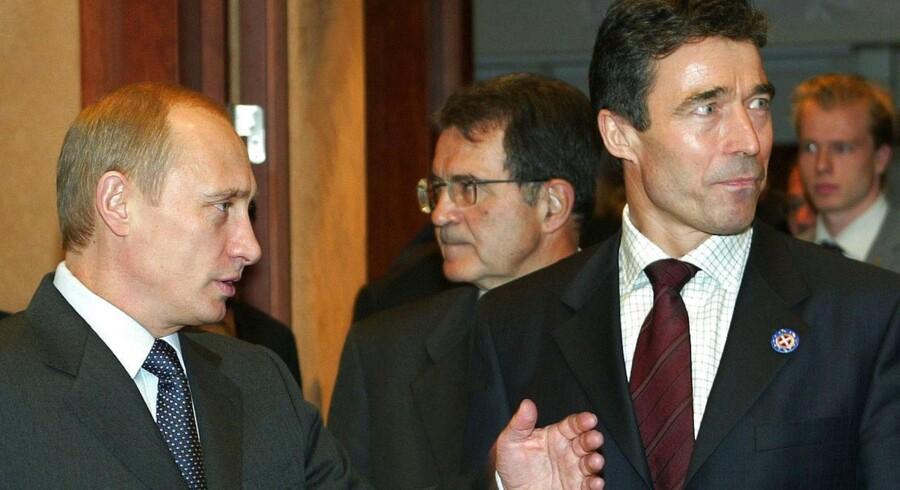 Arkivfoto: Putin og Fogh under et europæisk topmøde i 2002.