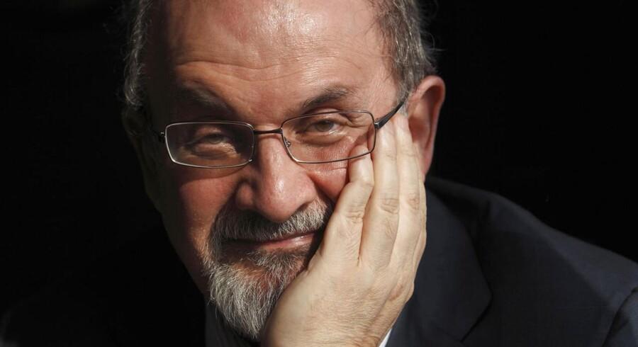 Salman Rushdie er anerkendt som en af denne verdens betydelige forfattere, og det er næppe noget, der huer mørkemændene. Foto: Andrew Winning
