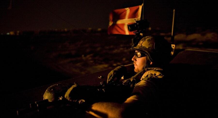 ARKIVFOTO: Danske soldater fra spejdereskadronen under en natlig kolonnekørsel.