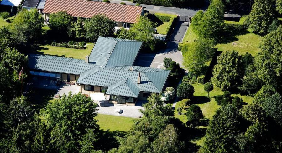 Efter knap otte måneder på markedet har Mærsk Mc-Kinney Møllers privatbolig i Charlottenlund fået en ny ejer.