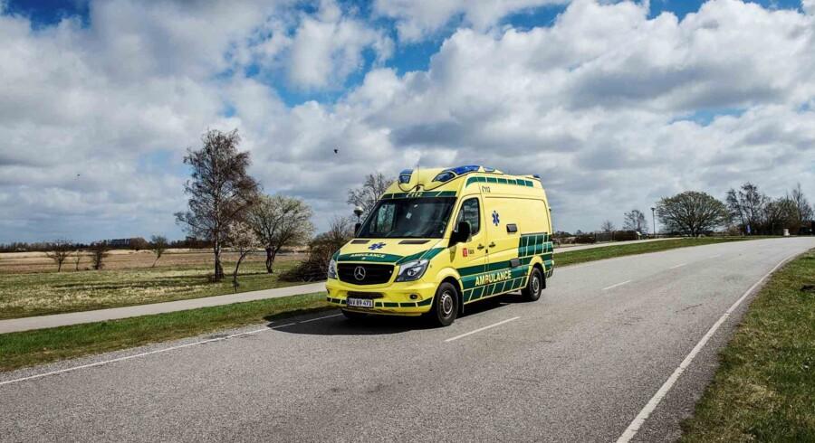 En 54-årig lystfisker blev torsdag fundet livløs i vandkanten i Nordjylland. Han blev i hast bragt til sygehuset, men hans liv stod ikke til at redde. Arkivfoto. Free/Pressefoto, Falck