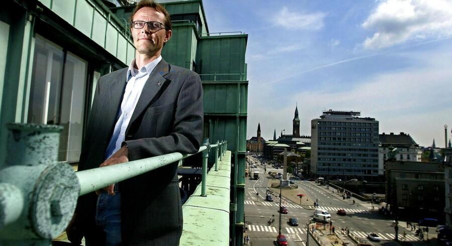 Kent Petersen, formand for Finansforbundet, undrer sig over Danske Banks planer om at skære i antallet af medarbejdere.