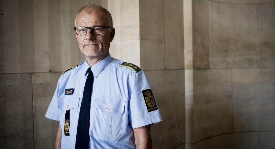 Vicepolitiinspektør ved Københavns Politi, Henrik Møller Jakobsen, fortæller, at politiet i sin indsats mod kriminelle bander er særligt bekymret over den seneste tids skudepisoder.