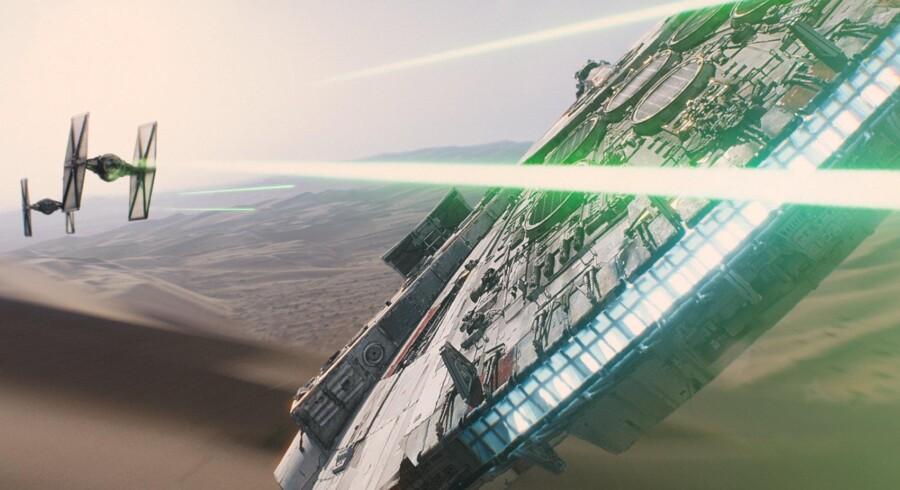 Den nye Star Wars film flyver ind i de danske biografer sidst på året og er en af de mange store film, der i år skal skabe rekordomsætning for de danske biografer.
