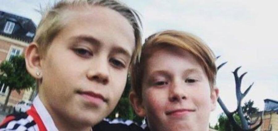 11-årige Julian til højre er nu udvist til Polen.
