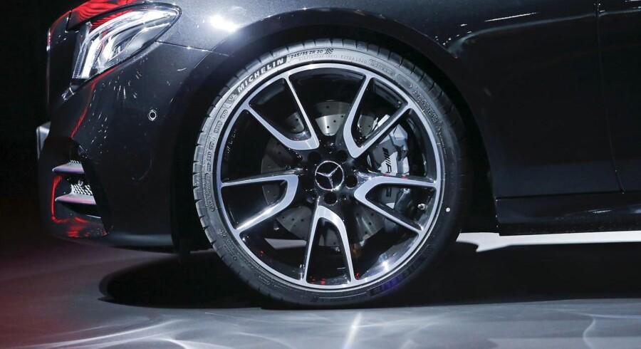 Biler fra en række tyske producenter bliver kaldt tilbage.