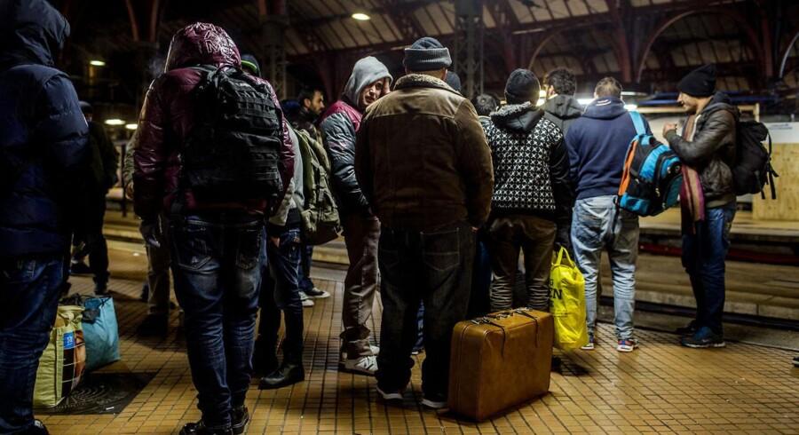 Flygtninge på Københavns Hovedbanegård, aftenen og natten til den 27. november.