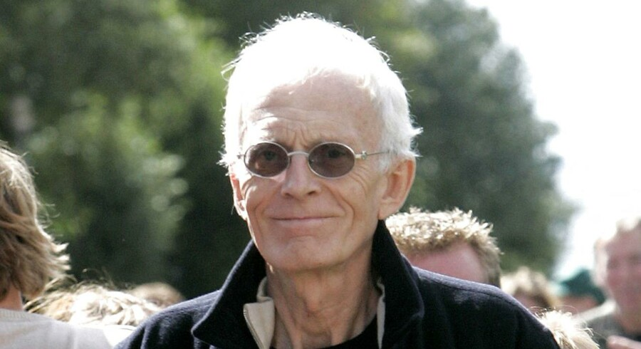 : Anklagere kæmper for at efterlyse Tvind-top. Tidligere forstander for Tvind, Mogens Amdi Petersen efter at Byretten i Ringkøbing torsdag 31. august 2006 havde frikendt ham for anklagerne for bedrageri.