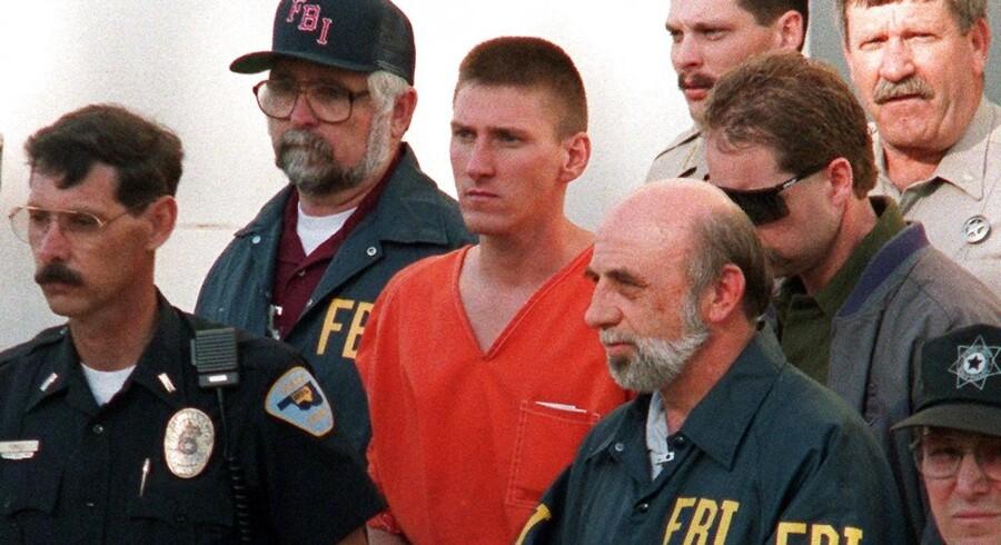 Bogen ramte en rå nerve, sagde massemorderen og terroristen Timothy McVeigh om »The Turner Diaries«. Bogen ledte ham ind på den vej, som i 1995 endte med McVeighs terrorangreb på forbundsbygningen i Oklahoma City.