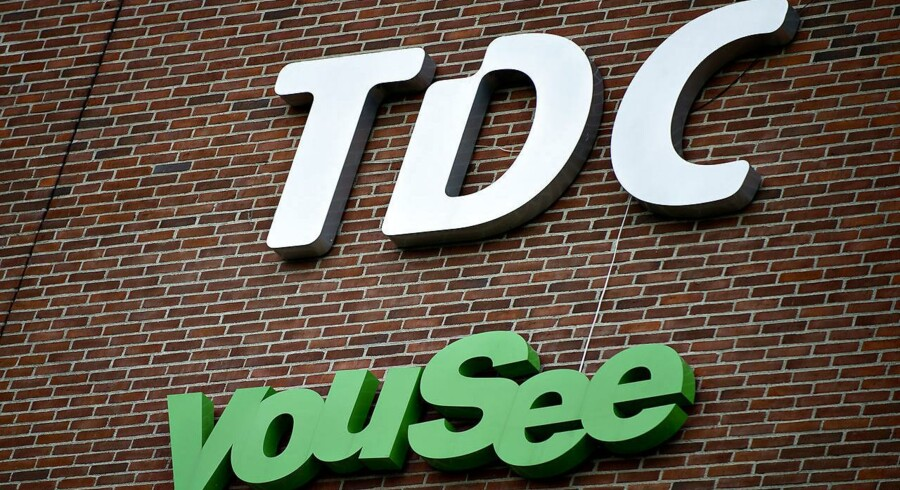 Teleselskaberne TDC og 3 har ved Retten på Frederiksberg fået besked på at lukke for adgangen til 24 hjemmesider på nettet, der tilbyder spil - herunder såkaldt skinbetting.