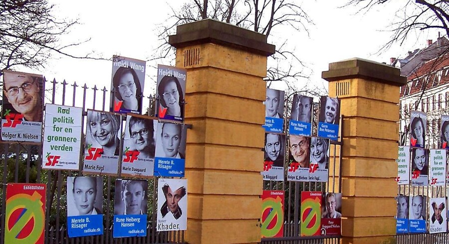 Pengestrømmene i dansk politik bliver stadig større. Alene i valgårene er støtten steget fra omtrent 50 mio. kr. i 2005 til 82 mio. kr. ved det seneste valg i 2011. Forhandlingerne om nye og mere åbne regler for private sponsorbidrag til partierne står næsten i stampe.