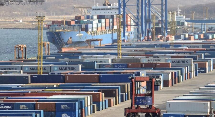 Væksten i containerflåden er bremset op. Der er dog ikke entydigt gode nyheder for Maersk Line og de andre containerrederier, når det gælder udviklingen i flåden. Det viser en opgørelse fra analysehuset Alphaliner.