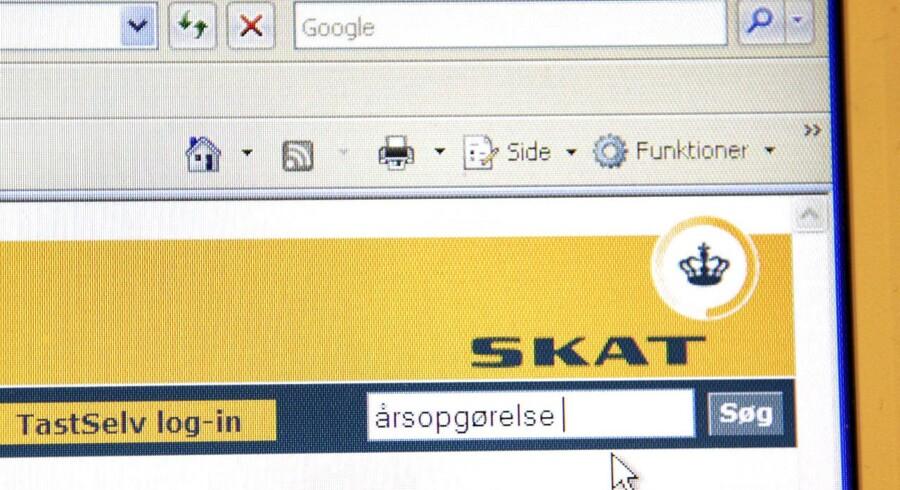 I dag får 3,3 mio. danskere penge tilbage i Skat. Men tænk dig om en ekstra gang, inden du bruger pengene på en ny cykel, en rejse eller en vild shoppetur. (Arkivfoto)
