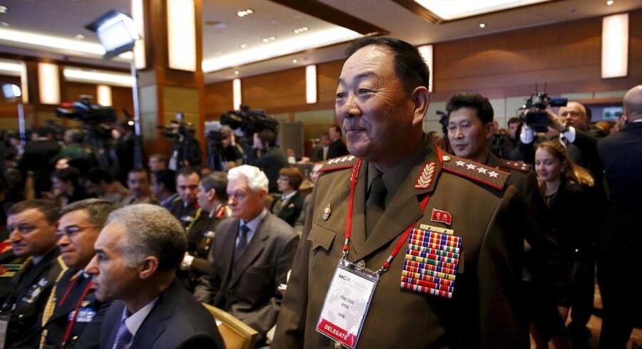 Efter to måneders tavshed har Nordkorea nu bekræftet, at forsvarsminister Hyon Yong-chol er blevet sat fra bestillingen - og efter alt at dømme henrettet.
