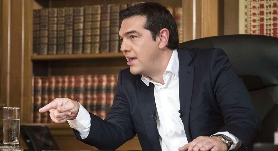 Grækenland og Alexis Tsipras modtog tirsdag aften en håndsrækning fra IMF. I en lækket rapport slog IMF atter engang fast, at Grækenland bør få en gældslettelse.