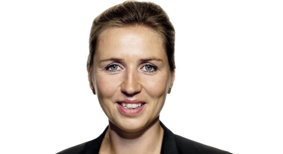 Mette Frederiksen, beskæftigelsesminister (S)
