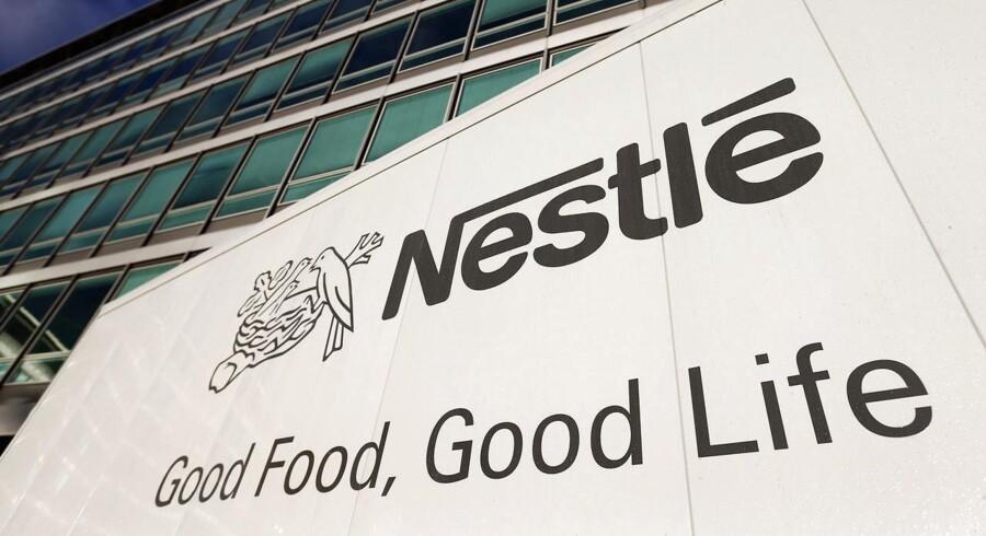 Den schweiziske fødevaregigant Nestle har overrasket analytikerne positivt i dets første halvår, idet selskabet har haft større organisk salgsfremgang, end der var ventet.