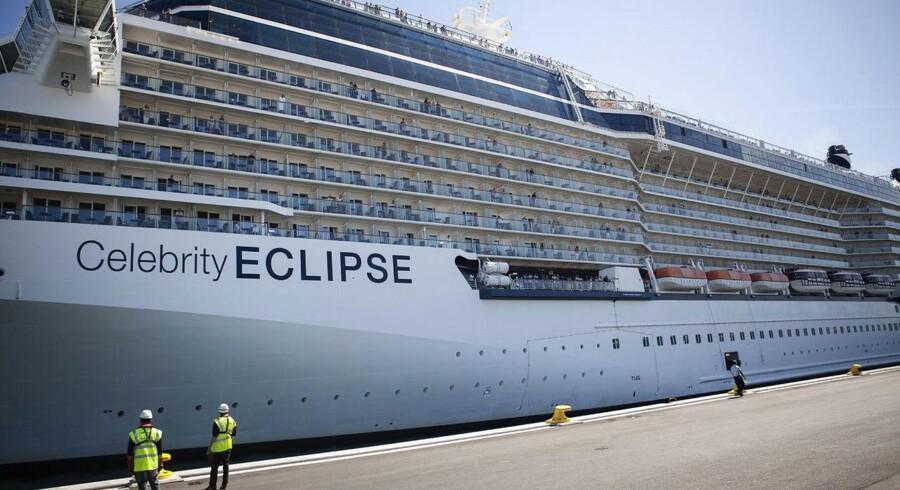Krydstogtspassgerer må ofte gå langt for at komme ind til centrum. Her lægger Celebrity Eclipse, der kan have omkring 2800 passagerer om bord,til i Nordhavn. Arkivfoto