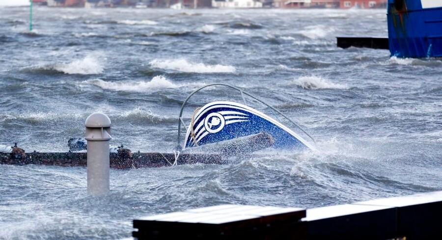 Oversvømmelsen volder problemer i Lemvig havn.