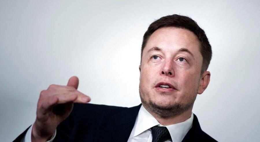 En medarbejder har ændret i kodningen til Teslas bilproduktion og sendt data til tredjepart, fortæller adm. direktør for Tesla, Elon Musk, i en mail til sine medarbejdere.