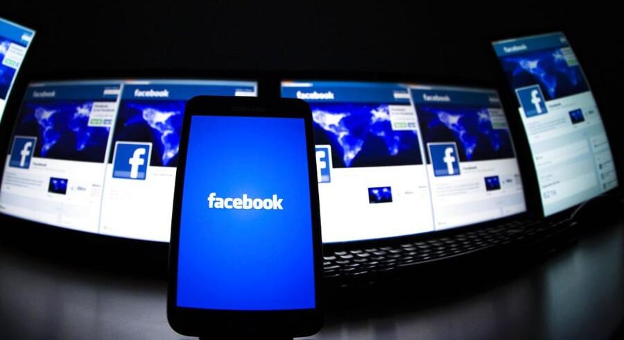 Facebook er populær på alle typer af skærme. Arkivfoto: Valentin Flauraud, Reuters/Scanpix