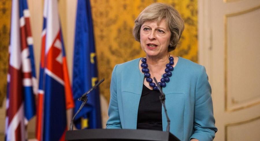Det vil i så fald betyde, at premierminister Theresa May ikke vil starte den toårige proces mod endelig udmeldelse i år. Det kommer heller ikke på tale i begyndelsen af 2017.