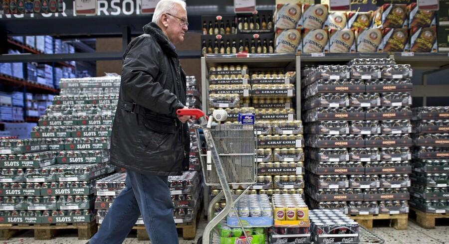 Danskere, der handler øl eller sodavand syd for grænsen, slipper for at betale dåsepant i de tyske grænsebutikker.