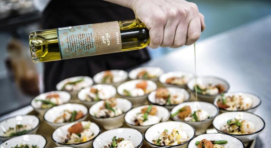 Bestsellers medarbejdere må indstille sig på ny mad i kantinen i den nære fremtid.