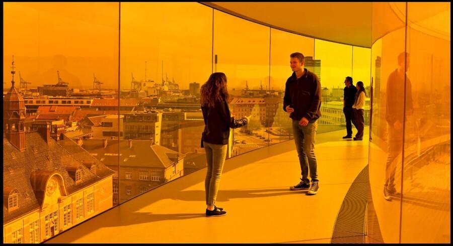 Flere turister skal ind besøge de danske museer - her fra toppen af Aros Kunstmuseum i Aarhus.