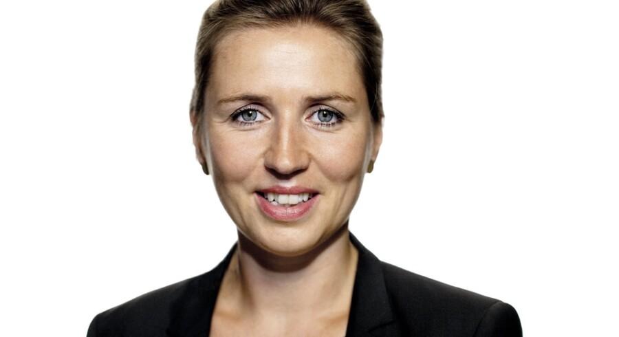 Mette Frederiksen, (S).