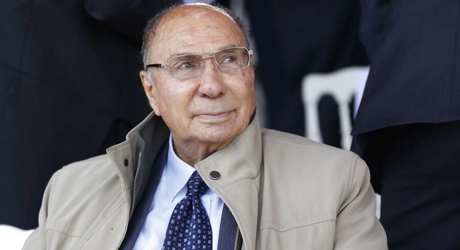 Den franske milliardær Serge Dassualt døde mandag på sit kontor i Paris. Han blev 93 år gammel.
