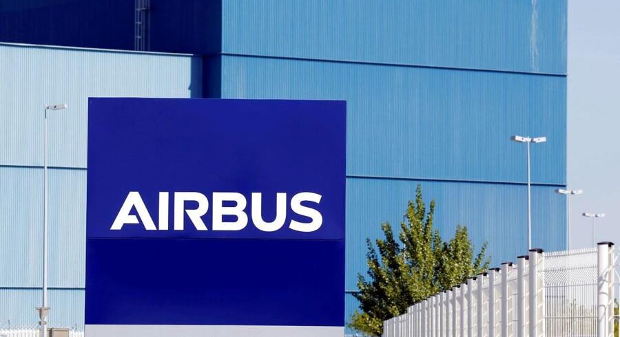 Airbus overtager aktiemajoriteten i Bombardiers CSeries-flyprogram. Boeing kritiserer aftalen.