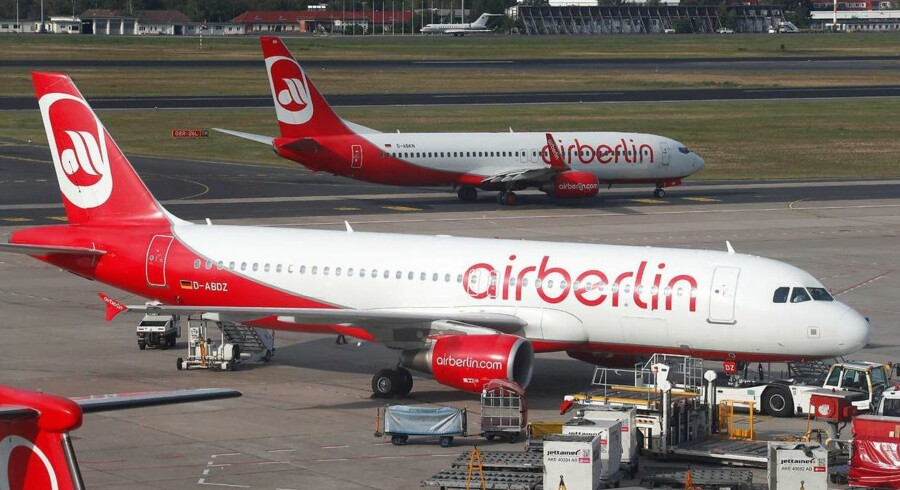 """""""Usædvanligt mange"""" piloter har tirsdag meldt sig syge, og derfor har Air Berlin måtte aflyse flere flyafgange tirsdag."""
