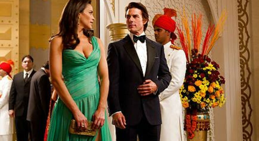 Paula Patton & Tom Cruise