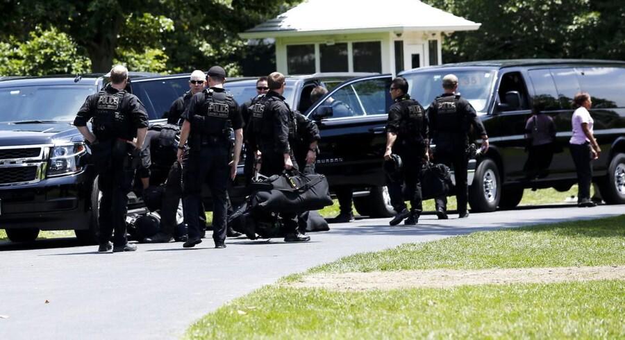 En person er anholdt efter at være blevet skudt ved Det Hvide Hus.
