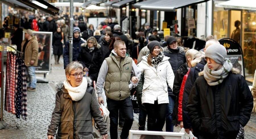 Rigtig mange danskere er nervøse for, om det er alt for let for myndighederne at overvåge de elektroniske spor, som vi afsætter alle vegne i løbet af en helt almindelig dag.