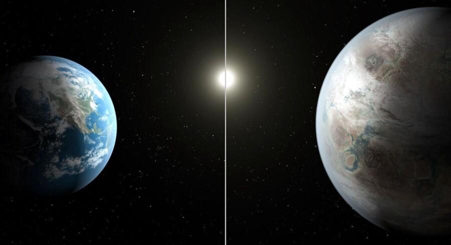 Denne NASA-optegning sammenligner Jorden (til venstre) med den nye planet, kaldet Kepler-452b, der er 60 procent større i diameter.