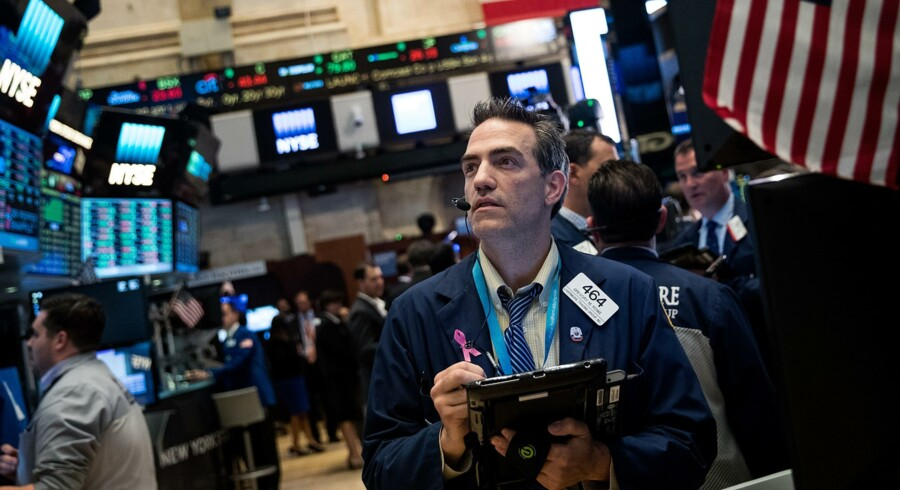 Aktiepriserne buldrer i vejret på New York Stock Exchange. Og i den forgangne uge satte Dow Jones-indekset rekord. Foto: Drew Angerer/Getty Images/AFP