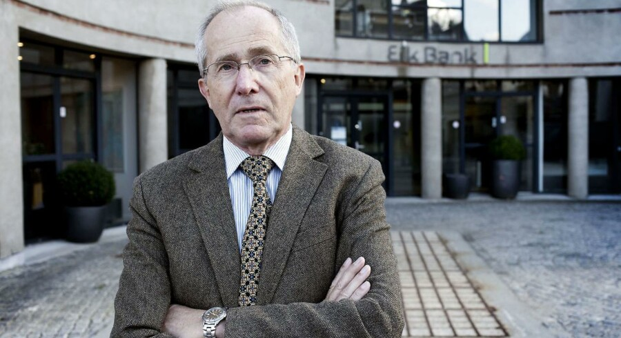 Jørn Astrup Hansen er pensioneret bankdirektør og den mand, der i 2010 blev sendt til Færøerne og rydde op i Eik Bank for Finansiel Stabilitet. Nu vil bankens nye ledelse have ham i fængsel for at krænke deres ære.