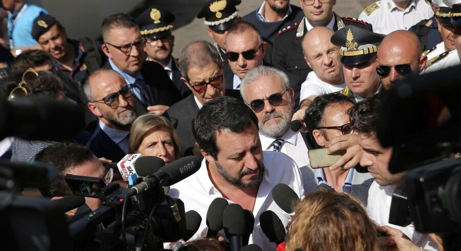 Inenrigsminister Matteo Salvini på besøg i Pozzallo på Sicilien. Byen bliver beskrevet som et centrum i flygtninge- og migrantkrisen.