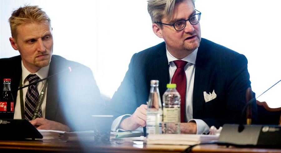 Justitsminister Søren Pind (V) er i dag kaldt i samråd om evalueringen af terrorangrebet i København i februar sidste år. Ministeren skal redegøre for, hvorfor flere elementer af efterforskningen er udeladt af evalueringen, som politiet selv gennemførte. Derudover skal ministeren også redegøre for, om den manglende skydetræning til politibetjente og aktionsstyrker påvirkede forløbet. Samrådsspørgsmålet er stillet efter ønske fra Peter Kofod Poulsen (DF) Foto: Uffe Weng/Scanpix